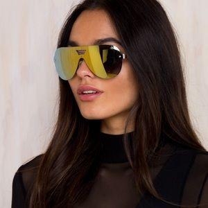 774c19eae0890 Quay Australia Accessories - Sale!! 💫 New w case Quay Showtime Sunglasses  gold